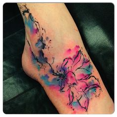 shayneswenson- wow! Water colour tattoo for stretch mark cover up. Gorgeous