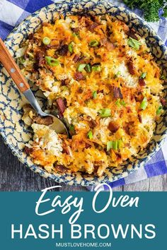 Easy Oven Hash Browns, crispy golden and loaded with bacon and cheese, are the stuff of breakfast dreams. #mustlovehomecooking Vegetarian Breakfast Recipes, Egg Recipes For Breakfast, Brunch Recipes, Clean Eating Recipes, Cooking Recipes, Clean Eating Breakfast, Side Dish Recipes, Potatoes
