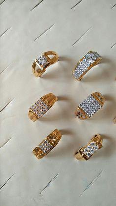 Ali baba Selani. Gold Chain Design, Gold Ring Designs, Gold Bangles Design, Gold Earrings Designs, Necklace Designs, Mens Ring Designs, Jewelry Design, Mens Gold Jewelry, Gold Rings Jewelry