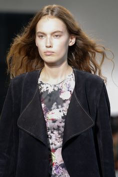 Calvin Klein Collection Spring 2016 Ready-to-Wear Fashion Show Details
