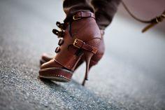e389aaa6e5 Winter in LA    Hoodie   Dior Cavaliere Boots