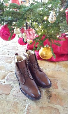 Discover our featured articles covering tips and advice for men's style and all things Allen Edmonds. Fashion Articles, Fashion Advice, Outdoor Survival, Outdoor Gear, Allen Edmonds Shoes, Outdoor Clothing, Men's Footwear, Back To Nature, Last Minute Gifts