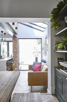 35 Fabulous House Extension Ideas For Your Extra Room Kitchen Sofa, Open Plan Kitchen Living Room, Kitchen Decor, Living Room Sofa, Home Living Room, Living Room Designs, Dining Room, Bungalow Extensions, House Extensions