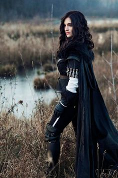 Yennefer of Vengerberg by Viktoria from Russia (it's cosplay, but it looks like Viktoriya during the war) Fantasy Inspiration, Character Inspiration, Yennefer Cosplay, Yennefer Of Vengerberg, Yennefer Witcher, Katie Mcgrath, Fantasy Costumes, Medieval Fantasy, The Witcher