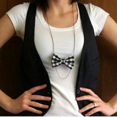 Bow necklace and chain