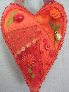 Ideas For Crazy Patchwork Hearts Fun Crazy Patchwork, Crazy Quilting, Patchwork Heart, Sewing Crafts, Sewing Projects, Fabric Hearts, Heart Crafts, Wool Applique, Felt Hearts