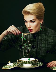 """Eating Luxury Emerald Meal"" #vancleef #vancleefandarpels #jewelry #luxury #creativeacademy"