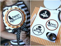 Printable Halloween Signs {Halloween Paper Crafts} Use these free Halloween printables and paper craft tutorial to create festive Halloween signs to decorate… Halloween Paper Crafts, Halloween Tags, Halloween Banner, Halloween Festival, Halloween Photos, Holidays Halloween, Happy Halloween, Halloween Party, Halloween Stuff