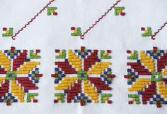 Bead Loom Patterns, Bargello, Loom Beading, Needlework, Diy And Crafts, Cross Stitch, Kids Rugs, Traditional, Embroidery