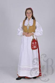 Follobunad Folk Costume, Costumes, Ethnic Fashion, White Dress, Knitting, Norway, Pretty, Shirts, Clothes