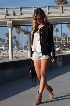 Look – San Diego 1 Shorts: Brandy Melville | Cropped: Brandy Melville | Jaqueta…