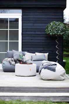 Beanbag Outdoor - 20 trendy interior design ideas for the modern outdoor area - Garten - Balcony Furniture Design Outdoor Spaces, Outdoor Living, Outdoor Decor, Outdoor Sofas, Outdoor Shop, Outdoor Seating, Garden Furniture, Furniture Design, Furniture Ideas