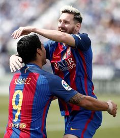 Barcelona's Lionel Messi celebrates after scoring a goal during the Spanish La… Fc Barcelona, Barcelona Players, Lionel Messi, Messi 2016, Girls Selfies, Soccer Players, Neymar, Man Crush, Sons