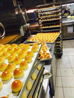 Panini bottoncino per buffet My Favorite Food, Favorite Recipes, I Love Pizza, Party Finger Foods, Bread And Pastries, Just Cooking, Antipasto, Bread Baking, Food Inspiration