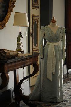 Robe XIXème sur mannequin