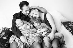 6 Tips for Photographing Newborns with Siblings by Lisa Tichane