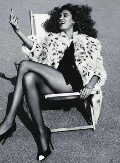 If i could sit in a lawn chair all dolled up SMS flip my bosses the bird...i imagine it would look somewhat like this.