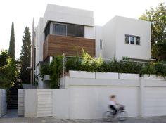 Simplicity And Clarity of Form in A Modern House From Israel