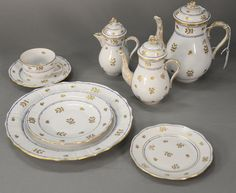 Herend Coronation pattern porcelain dinnerware set marked on bottom Hungary with Herend mark, circa 1915-1930, setting for 8 comprising of 10 dinner plates, 8 salad plates, 8 cups and saucers, 4 soups, 8 bread plates, and 33 serving pieces