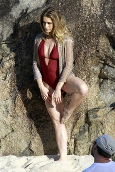 Letícia Spiller's Feet << wikiFeet