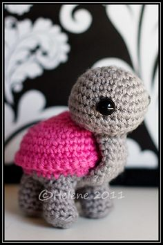 A cute little turtle---I NEED THIS!! Someone please make me one :)
