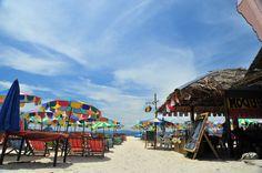 Colorful Island at Koh Khai, Phuket  Photo by Nithiroj Chaikijwattana  #wowtasticThailandPhotoContest