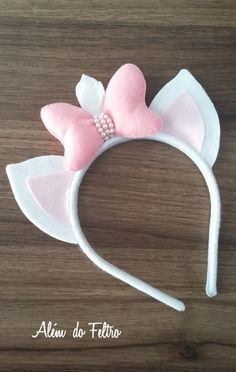 Tiara gatinha Marrie Diy Headband, Ear Headbands, Aristocats Party, Felt Crafts, Diy And Crafts, Marie Cat, Disney Mickey Ears, Cat Birthday, Diy Hair Bows