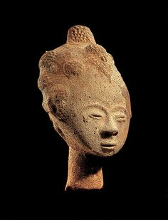 Memorial head Date: 17th century Geography: Ghana, Twifo-Heman traditional area Culture: Akan peoples Medium: Terracotta Sculpture Painting, Lion Sculpture, Art Premier, Africa Art, Masks Art, African Culture, Ancient Artifacts, Western Art, Tribal Art