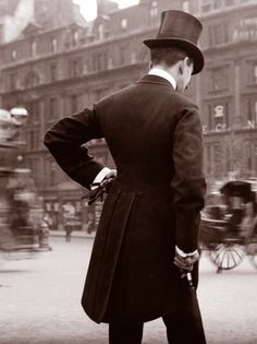 London in 1904 during the Edwardian Era.  I really wish gentlemen dressed like this today.