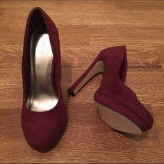 Forever 21 velvet pumps NEW! Merlot colored velvet pumps. A slight, hidden platform gives you just the right amount of extra height. Brand new, never worn! Forever 21 Shoes Heels