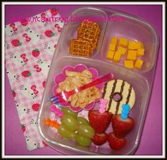 Quick lunch in our Easy Lunchboxes!  #easylunchboxes