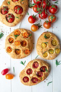 Tomato Focaccia – Really Italian! Barbecue Recipes, Pizza Recipes, Grilling Recipes, Chicken Recipes, Italian Soup, Italian Dishes, Pizza Hut, Types Of Sandwiches, Italian Cookie Recipes