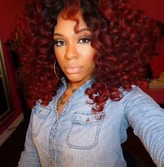I love her hair and color!
