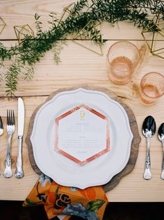 Cool Geometric Wedding Inspiration | Anniversary Shoot | Anna Peters Photography | Bixby + Pine | Bridal Musings Wedding Blog