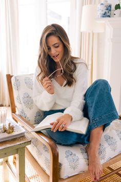 Madewell Emmett Crop Wide Leg Pants and Somedays Lovin Sweater. Adding A Touch of Cozy At Home - Gal Meets Glam How To Have Style, My Style, Gal Meets Glam, Nordstrom, Photography Branding, Pyjamas, Autumn Winter Fashion, Blue Jeans, Lounge Wear