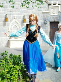 Anna and Elsa   face character