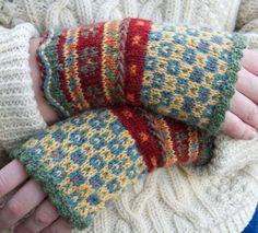 Latvian Fingerless Mitts Knitting pattern by Beth Brown-Reinsel Knitting Kits, Fair Isle Knitting, Knitting Projects, Hand Knitting, Knitting Patterns, Crochet Patterns, Beginner Knitting, Knitting Wool, Fingerless Gloves Knitted
