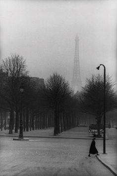 Henri Cartier-Bresson Paris, 1954 #photography