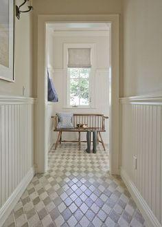 simple entrance   harlequin tiled floor