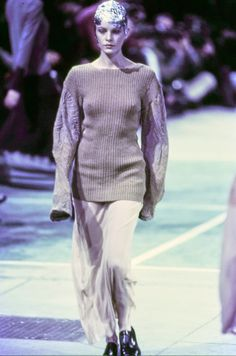 Comme des Garçons Fall 1993 Ready-to-Wear Fashion Show - Emma Balfour
