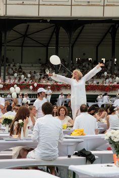 White Dinner Cologne http://minzawillsommer.blogspot.de/ #whitedinner #whitedinnercologne #whitedinnerköln #dinerenblanc #galopprennbahn #köln #cologne