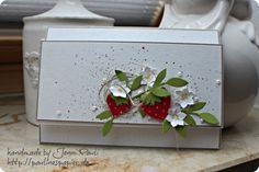 Onlineshopping und süße Erdbeeren. Strawberry Card.