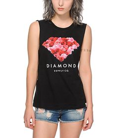 A Diamond roses graphic is printed on the front of this boyfriend fit muscle tee that features a pure cotton construction and cut-off sleeves for premium comfort and style.