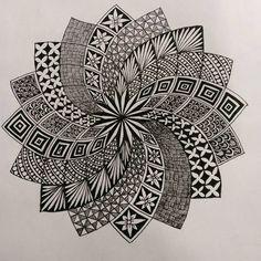 Could be interesting mandala doodle, mandala drawing, mandala tattoo, zen d Mandala Doodle, Mandala Art Lesson, Mandala Artwork, Mandala Painting, Mandala Drawing, Doodle Art Designs, Doodle Patterns, Zentangle Patterns, Doodle Art Drawing