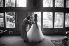 Lindsey Ryan Mountain Springs Lodge Leavenworth Wedding - Tara Keely - Laineemeg Bridal - Gown - Mother Daughter - Eva Rieb Photography