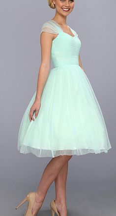 Mint tulle dress!! I wish the sleeves were just a little more opaque, and then, could this get any prettier?