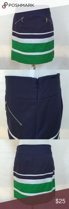 """Anne Klein Skirt Size 4 Navy & Green Gorgeous NEW Fabric of 97% cotton and 3% spandex has just enough stretch for a perfect fit. 2 front zippered pockets with AK zipper pulls. Concealed left side zipper with top hook and eye. Measurements are taken unstretched:  Waist is 31"""", length from waist to hem is 18-1/2"""" Anne Klein Skirts"""