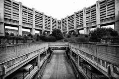 De wijk Rozzol Melara oftwel Il Quadrilatero is een wijk in Trieste van de hand Carlo Celli tussen 1969 en 1982 gebouwd in het gedachtegoed van Le Corbusier. Hier gezien door de lens van Federico Verani.