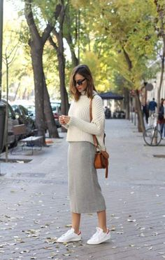 preppy Rock Pencil Beige Jacken 36 Ideen White's Back-And Beautiful Long a favorite warm weat Long Pencil Skirt, Pencil Skirt Casual, Knit Pencil Skirt, Casual Skirts, Casual Outfits, Pencil Skirts, Pencil Dresses, Midi Skirts, Beige Pencil Skirt