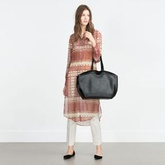 Image 6 of CONTRASTING TOTE BAG from Zara
